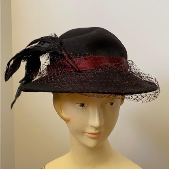 Vintage 1970's Doeskin Felt Hat Feathers Net